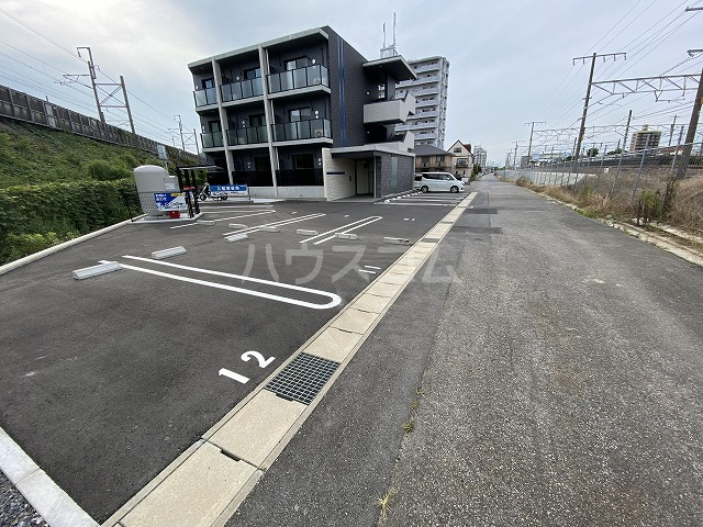 レジデンス幸田駅前 101号室の駐車場