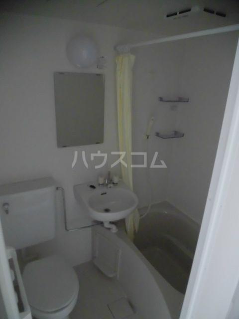ヴランドール船橋駅前南 202号室の風呂