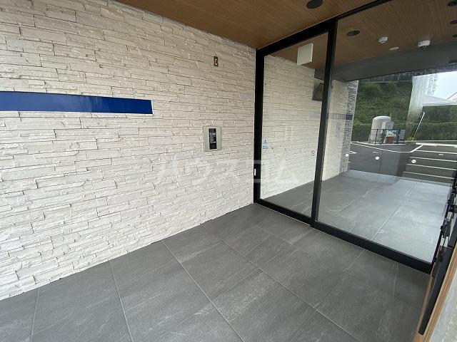 レジデンス幸田駅前 104号室のエントランス