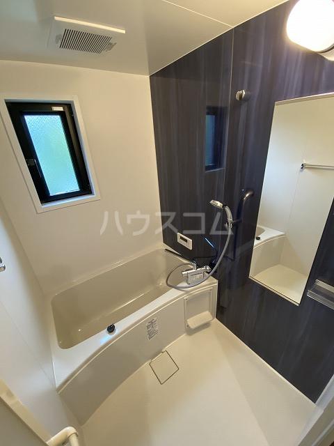 レジデンス幸田駅前 104号室の風呂
