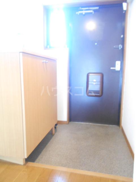 バンブール32 101号室の玄関