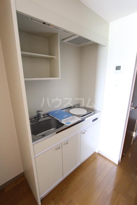 すまいる築山Ⅱ 208号室のキッチン