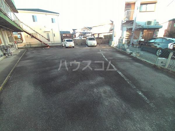 コーポウチダ C号室の駐車場