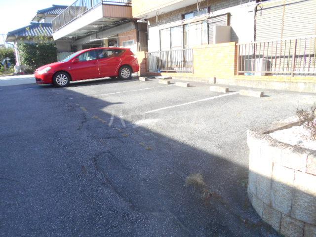 和宏コーポ 1-1号室の駐車場