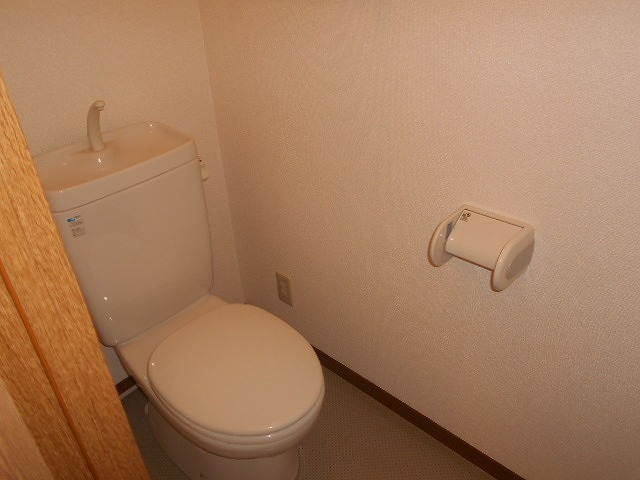 ピュアヒルズ 201号室のトイレ