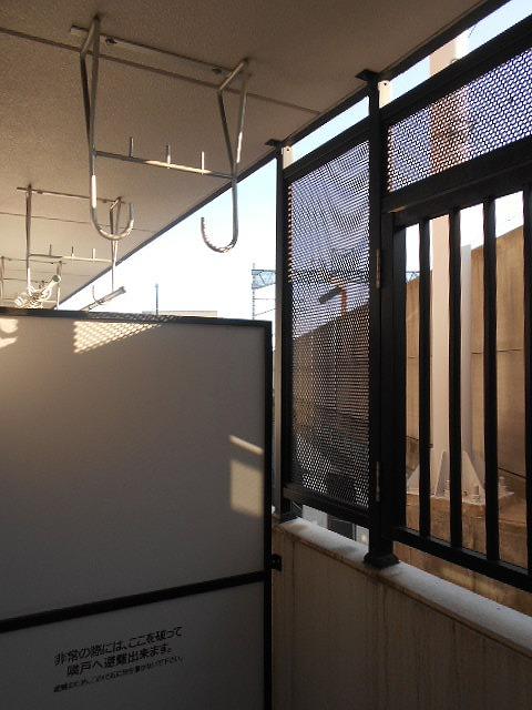 ピュアヒルズ 201号室のバルコニー