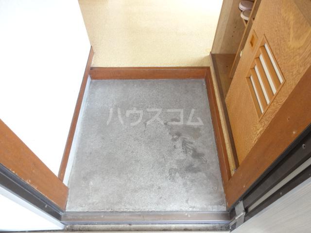 コーポフジ 202号室の玄関