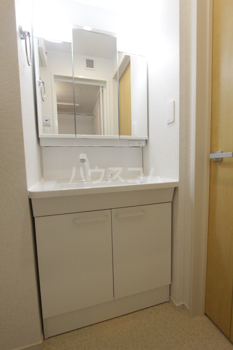アンソレイユ市木 01010号室の洗面所
