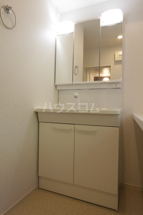 アンソレイユ市木 02020号室の洗面所
