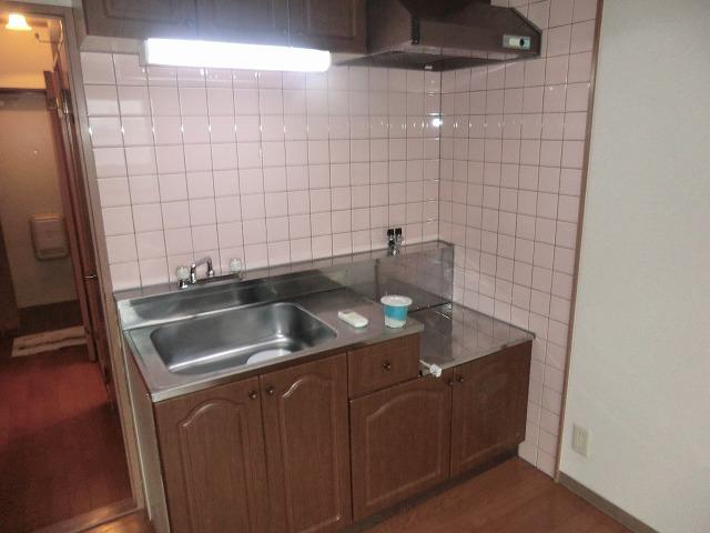 昭和レジデンス4 402号室のキッチン