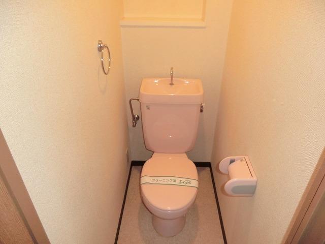 昭和レジデンス4 402号室のトイレ