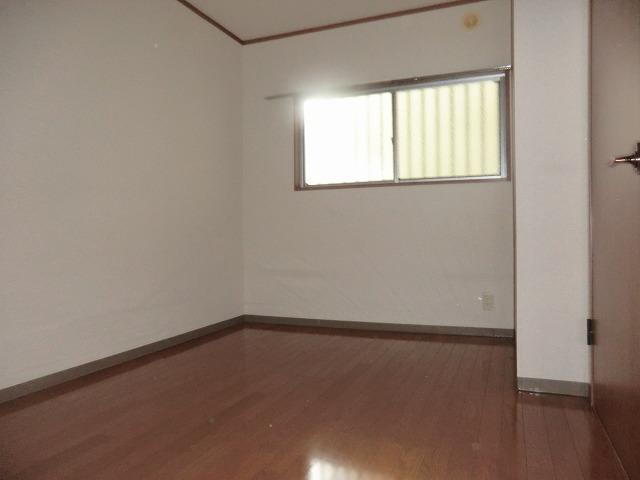 昭和レジデンス4 402号室の居室