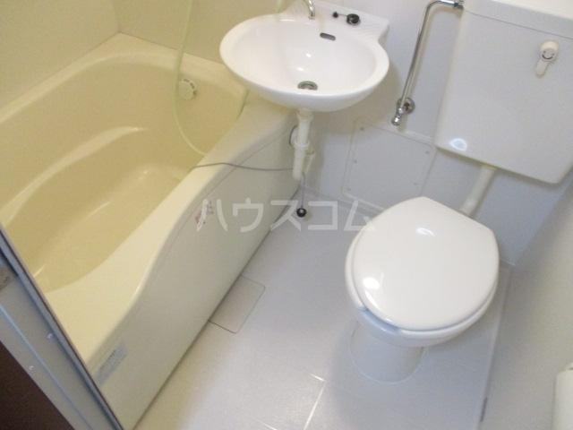 ウイング祖師谷 205号室の風呂