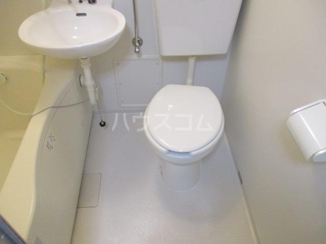 ウイング祖師谷 205号室のトイレ