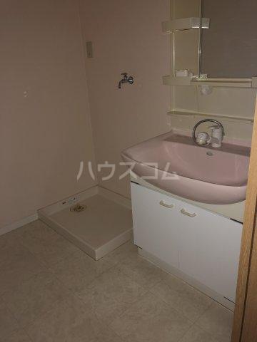 クオーレ 103号室の洗面所
