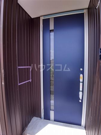 CompassRose 101号室の玄関