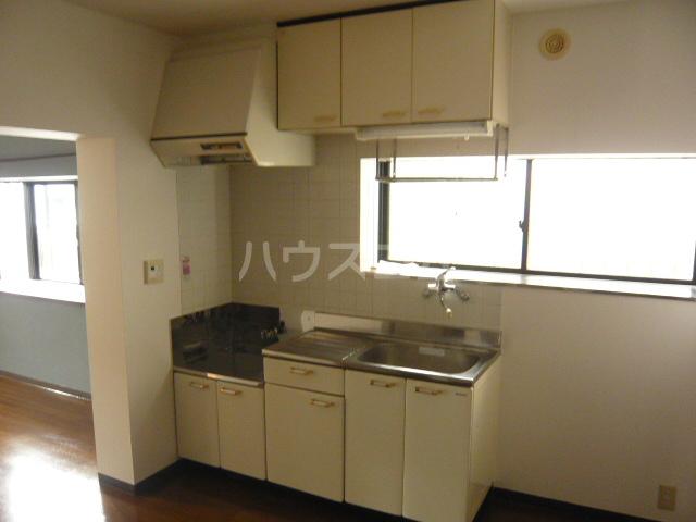 エクセル下馬Ⅴ 103号室のキッチン