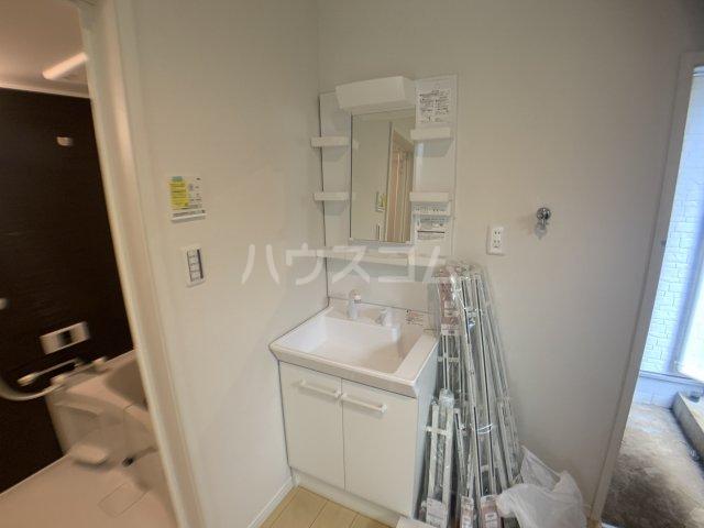 ジャサント津田沼 101号室の洗面所