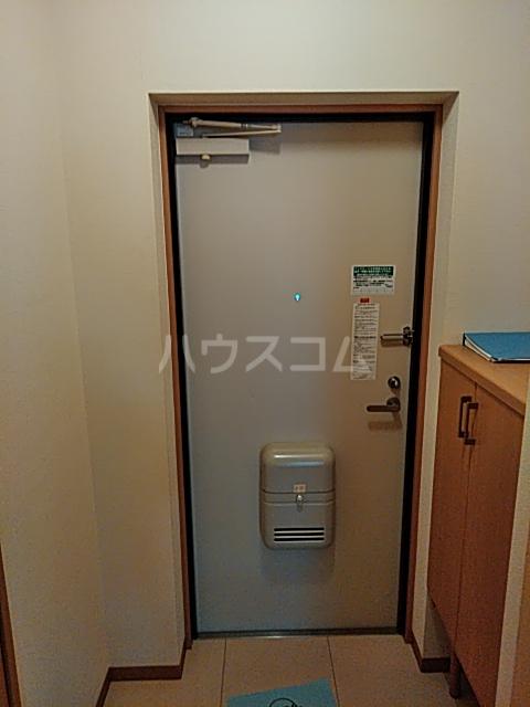 アヴェニュー美和Ⅱ 102号室の玄関