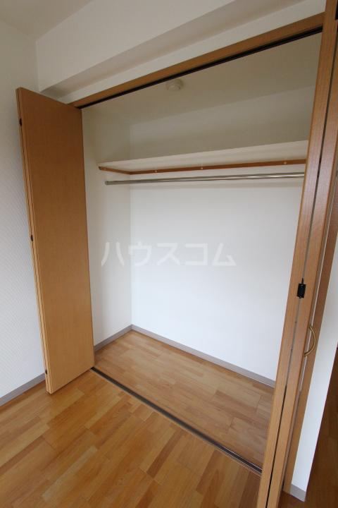 ヴィラ原山 北館 205号室の収納