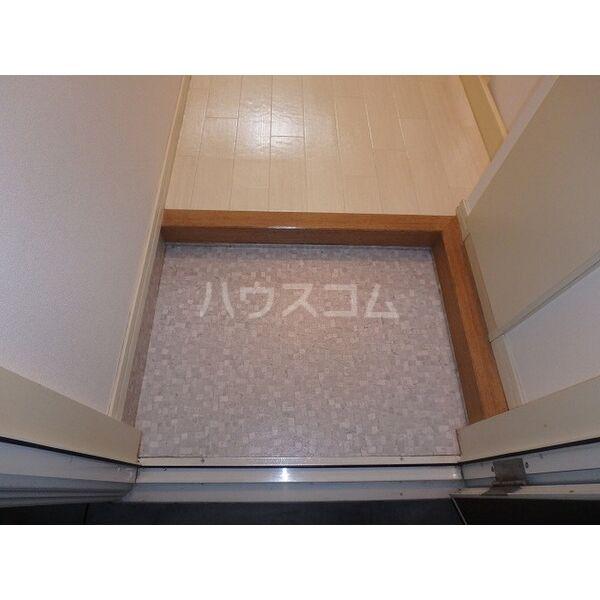 明大寺ハイツ 202号室の玄関
