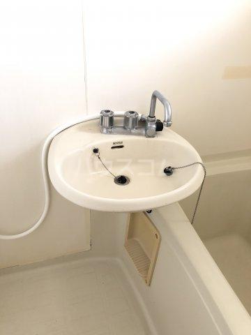 クレストK 202号室の洗面所