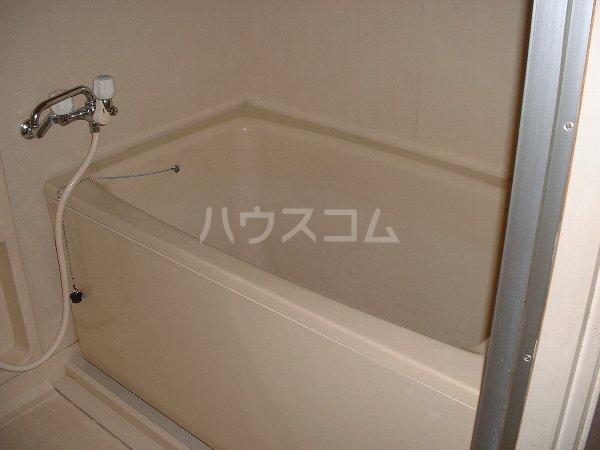 第2マンション鈴木 A-4号室の風呂