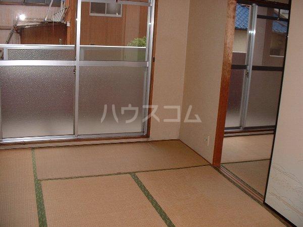 第2マンション鈴木 A-4号室のベッドルーム