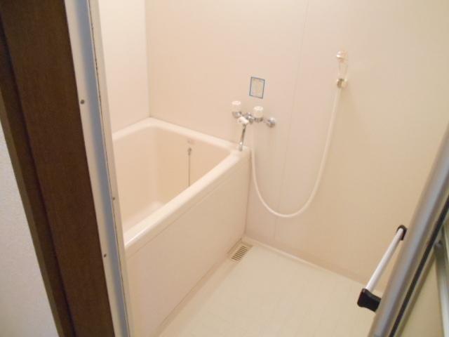 ファミール河上 Ⅰ 103号室の風呂