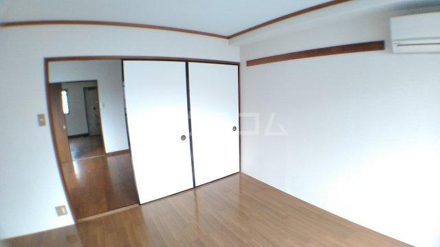 ママダマンション 205号室の居室