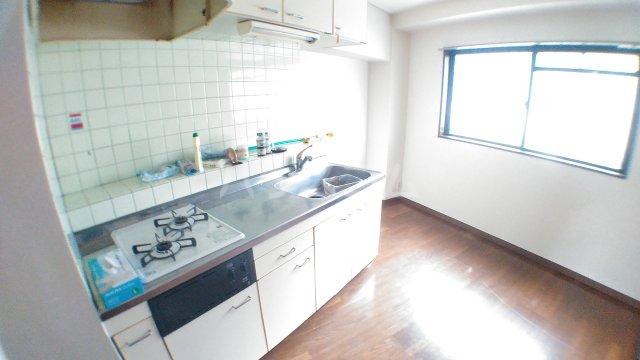ママダマンション 205号室のキッチン