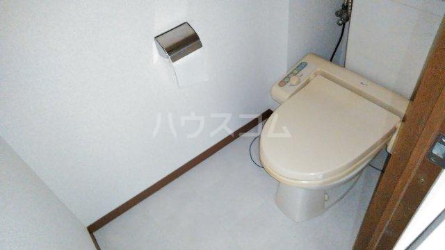 ママダマンション 205号室のトイレ