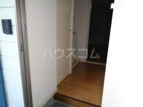 コーポマミア 203号室の玄関