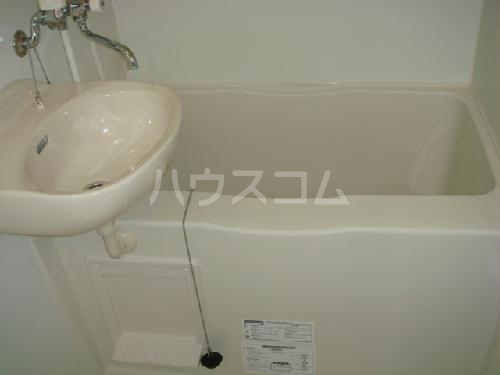 レオパレス明大寺 105号室の洗面所