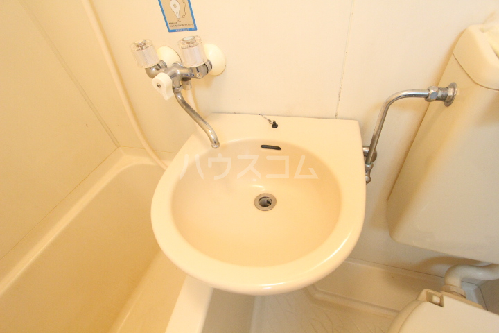 プリンセス豊田 201号室の洗面所