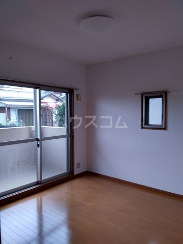 グランシャリオ 101号室の居室