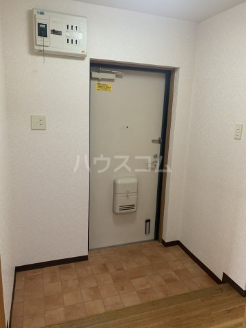 ロジュマン横山 103号室の玄関