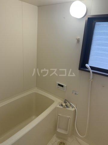 ロジュマン横山 103号室の風呂