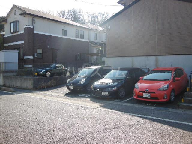 さくら 101号室の駐車場
