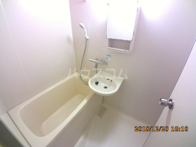 ミルオンデュール竹生 801号室の風呂