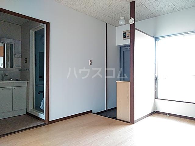 柿の木ハイツ 206号室の玄関