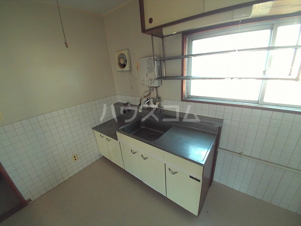 マンションTU 202号室のキッチン
