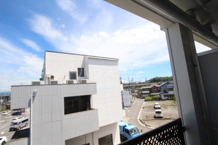 i-room丸山町 106号室のバルコニー