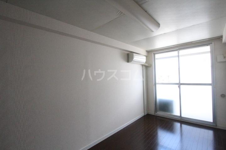 i-room丸山町 106号室のリビング