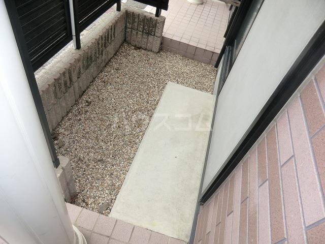 ファミール松花Aの庭