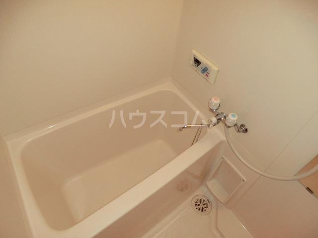 ピュアビル 4-B号室の風呂