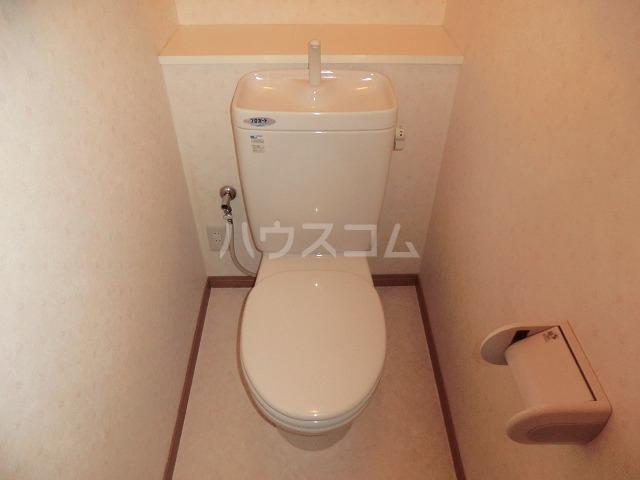 ピュアビル 4-B号室のトイレ
