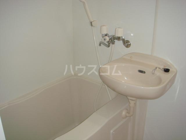 レオパレス葵 207号室の洗面所