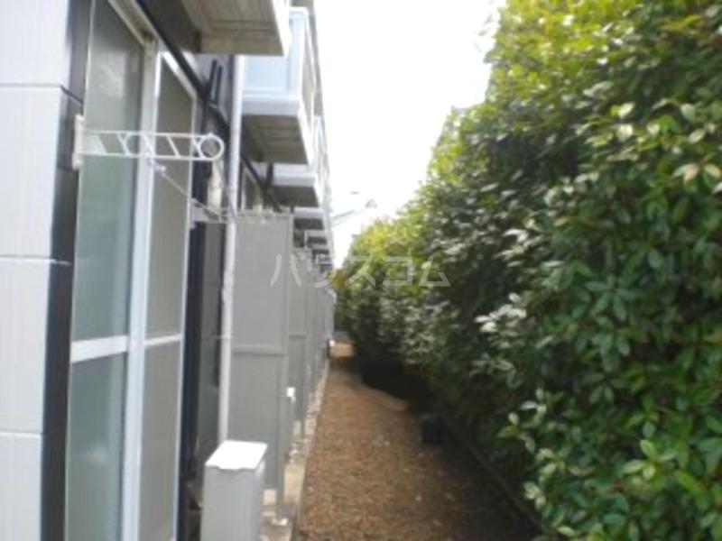レオパレス葵 207号室の庭