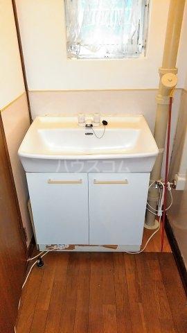 高塚団地1-2-106 106号室の洗面所